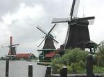 写真3風車群.jpg